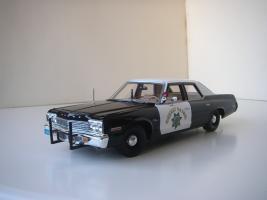 Прикрепленное изображение: Dodge_Monaco_4_door_Sedan_California_Highway_Patrol_1974__ERTL___Autoworld_.JPG