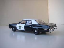 Прикрепленное изображение: Dodge_Monaco_4_door_Sedan_California_Highway_Patrol_1974__ERTL___Autoworld___2_.JPG