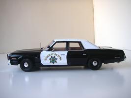Прикрепленное изображение: Dodge_Monaco_4_door_Sedan_California_Highway_Patrol_1974__ERTL___Autoworld___3_.JPG