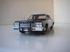 Прикрепленное изображение: Dodge_Monaco_4_door_Sedan_California_Highway_Patrol_1974__ERTL___Autoworld___4_.JPG