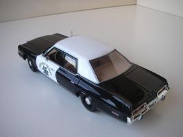 Прикрепленное изображение: Dodge_Monaco_4_door_Sedan_California_Highway_Patrol_1974__ERTL___Autoworld___10_.JPG
