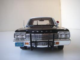 Прикрепленное изображение: Dodge_Monaco_4_door_Sedan_California_Highway_Patrol_1974__ERTL___Autoworld___17_.JPG