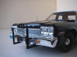 Прикрепленное изображение: Dodge_Monaco_4_door_Sedan_California_Highway_Patrol_1974__ERTL___Autoworld___19_.JPG