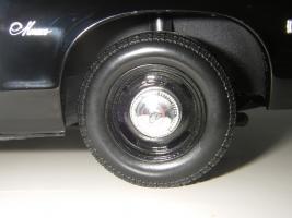 Прикрепленное изображение: Dodge_Monaco_4_door_Sedan_California_Highway_Patrol_1974__ERTL___Autoworld___20_.JPG
