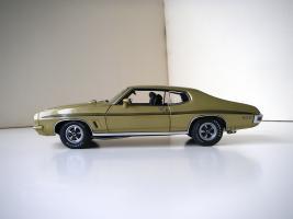 Прикрепленное изображение: Pontiac_LeMans_GTO_Hardtop_Coupe_1972__GMP___3_.JPG