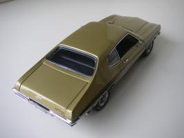 Прикрепленное изображение: Pontiac_LeMans_GTO_Hardtop_Coupe_1972__GMP___10_.JPG