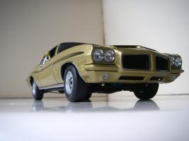Прикрепленное изображение: Pontiac_LeMans_GTO_Hardtop_Coupe_1972__GMP___21_.JPG
