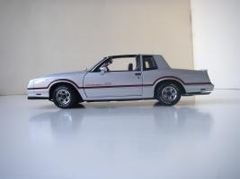 Прикрепленное изображение: Chevrolet_Monte_Carlo_SS_1985__ERTL_Authentics___3_.JPG