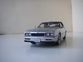 Прикрепленное изображение: Chevrolet_Monte_Carlo_SS_1985__ERTL_Authentics___4_.JPG