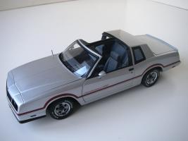 Прикрепленное изображение: Chevrolet_Monte_Carlo_SS_1985__ERTL_Authentics___13_.JPG