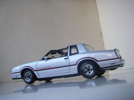 Прикрепленное изображение: Chevrolet_Monte_Carlo_SS_1985__ERTL_Authentics___15_.JPG