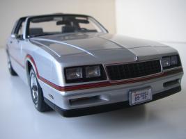 Прикрепленное изображение: Chevrolet_Monte_Carlo_SS_1985__ERTL_Authentics___18_.JPG