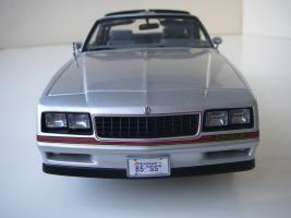 Прикрепленное изображение: Chevrolet_Monte_Carlo_SS_1985__ERTL_Authentics___20_.JPG
