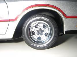 Прикрепленное изображение: Chevrolet_Monte_Carlo_SS_1985__ERTL_Authentics___24_.JPG