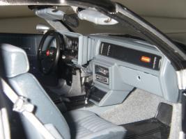 Прикрепленное изображение: Chevrolet_Monte_Carlo_SS_1985__ERTL_Authentics___27_.JPG