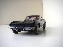 Прикрепленное изображение: Chevrolet_Corvette_Sting_Ray_1963__Autoart___4_.JPG