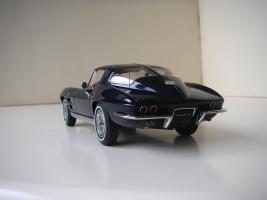 Прикрепленное изображение: Chevrolet_Corvette_Sting_Ray_1963__Autoart___5_.JPG