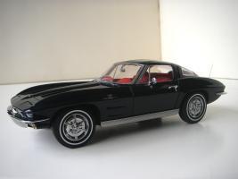 Прикрепленное изображение: Chevrolet_Corvette_Sting_Ray_1963__Autoart___6_.JPG
