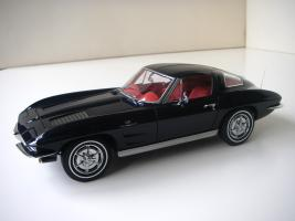 Прикрепленное изображение: Chevrolet_Corvette_Sting_Ray_1963__Autoart___12_.JPG