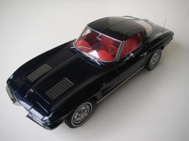 Прикрепленное изображение: Chevrolet_Corvette_Sting_Ray_1963__Autoart___14_.JPG