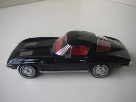 Прикрепленное изображение: Chevrolet_Corvette_Sting_Ray_1963__Autoart___16_.JPG