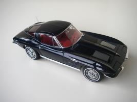 Прикрепленное изображение: Chevrolet_Corvette_Sting_Ray_1963__Autoart___17_.JPG