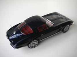 Прикрепленное изображение: Chevrolet_Corvette_Sting_Ray_1963__Autoart___18_.JPG