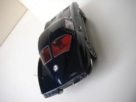 Прикрепленное изображение: Chevrolet_Corvette_Sting_Ray_1963__Autoart___19_.JPG