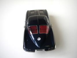 Прикрепленное изображение: Chevrolet_Corvette_Sting_Ray_1963__Autoart___20_.JPG