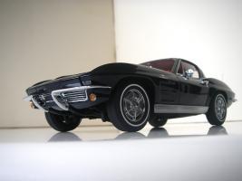 Прикрепленное изображение: Chevrolet_Corvette_Sting_Ray_1963__Autoart___21_.JPG