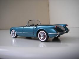 Прикрепленное изображение: Chevrolet_Corvette_1954__Danbury_Mint___3_.JPG