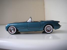 Прикрепленное изображение: Chevrolet_Corvette_1954__Danbury_Mint___4_.JPG