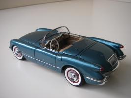 Прикрепленное изображение: Chevrolet_Corvette_1954__Danbury_Mint___8_.JPG