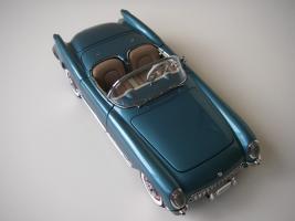 Прикрепленное изображение: Chevrolet_Corvette_1954__Danbury_Mint___10_.JPG