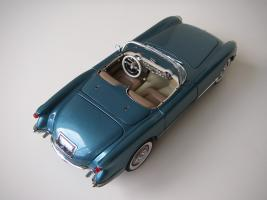 Прикрепленное изображение: Chevrolet_Corvette_1954__Danbury_Mint___11_.JPG