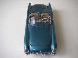 Прикрепленное изображение: Chevrolet_Corvette_1954__Danbury_Mint___12_.JPG