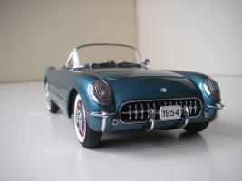 Прикрепленное изображение: Chevrolet_Corvette_1954__Danbury_Mint___16_.JPG