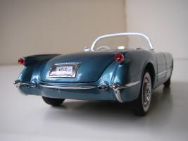 Прикрепленное изображение: Chevrolet_Corvette_1954__Danbury_Mint___17_.JPG