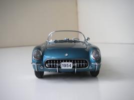 Прикрепленное изображение: Chevrolet_Corvette_1954__Danbury_Mint___18_.JPG