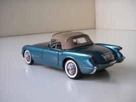 Прикрепленное изображение: Chevrolet_Corvette_1954__Danbury_Mint___26_.JPG