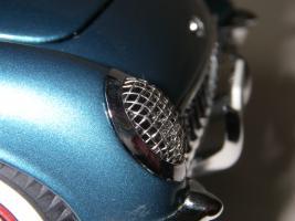 Прикрепленное изображение: Chevrolet_Corvette_1954__Danbury_Mint___28_.JPG
