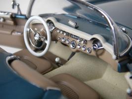 Прикрепленное изображение: Chevrolet_Corvette_1954__Danbury_Mint___34_.JPG