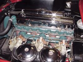 Прикрепленное изображение: Chevrolet_Corvette_1954_engine_L6.jpg