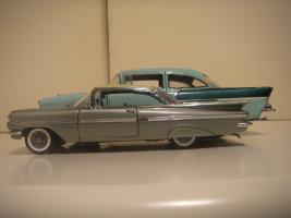 Прикрепленное изображение: Chevrolet_Impala_1959___Chevrolet_150_1957__4_.JPG