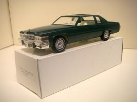 Прикрепленное изображение: Cadillac_Coupe_DeVille_1977__promo_.JPG