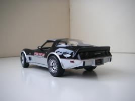 Прикрепленное изображение: Chevrolet_Corvette_Indy_500_Official_Pace_Car_Replica_1978__UT___2_.JPG