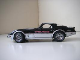 Прикрепленное изображение: Chevrolet_Corvette_Indy_500_Official_Pace_Car_Replica_1978__UT___3_.JPG