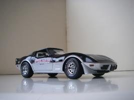 Прикрепленное изображение: Chevrolet_Corvette_Indy_500_Official_Pace_Car_Replica_1978__UT___4_.JPG