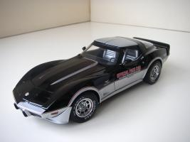 Прикрепленное изображение: Chevrolet_Corvette_Indy_500_Official_Pace_Car_Replica_1978__UT___9_.JPG