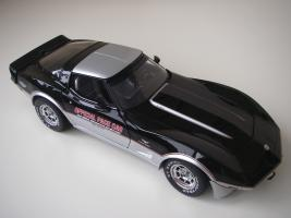 Прикрепленное изображение: Chevrolet_Corvette_Indy_500_Official_Pace_Car_Replica_1978__UT___12_.JPG